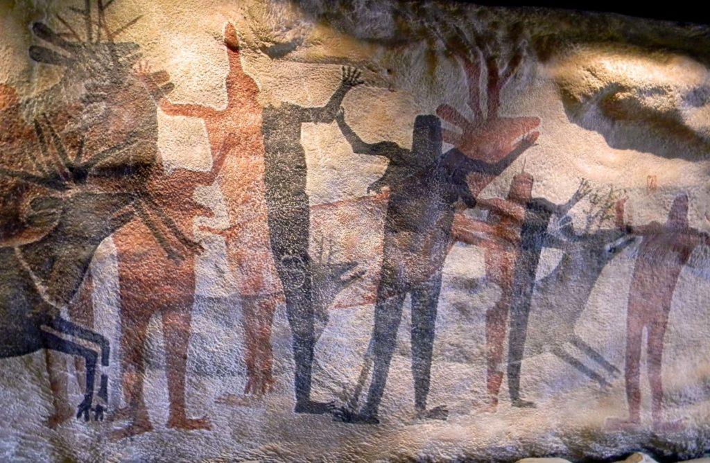 Höhlenmalerei im Museum in Quinson